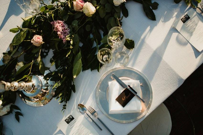 get married in Cortona Villa outdor dinner alfresco table decor