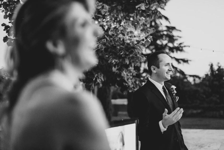 get married in Cortona Villa outdor dinner alfresco speaches gro