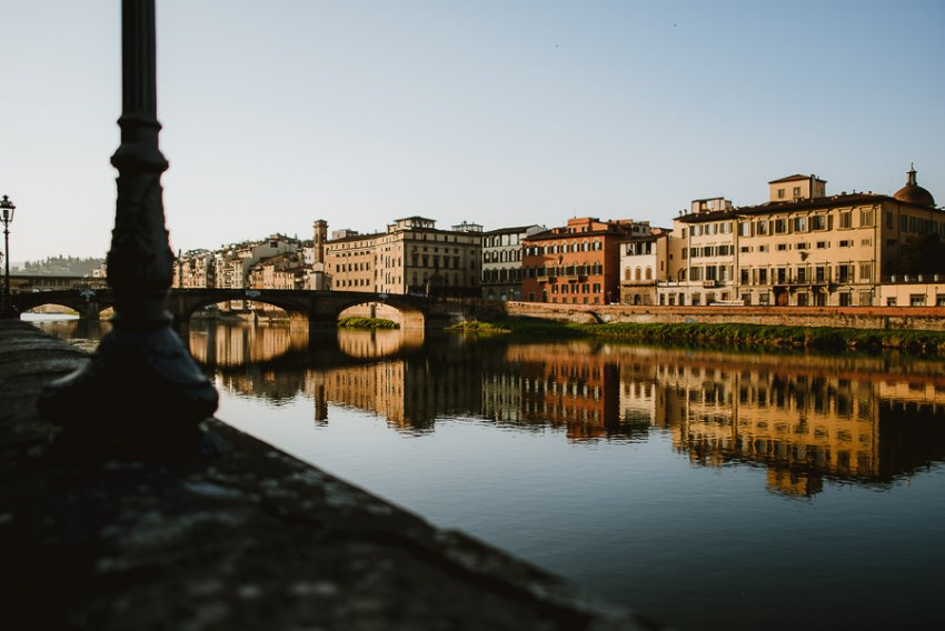 000-couple-portrait-photography-florence-tuscany-italy-ponte-vecchio