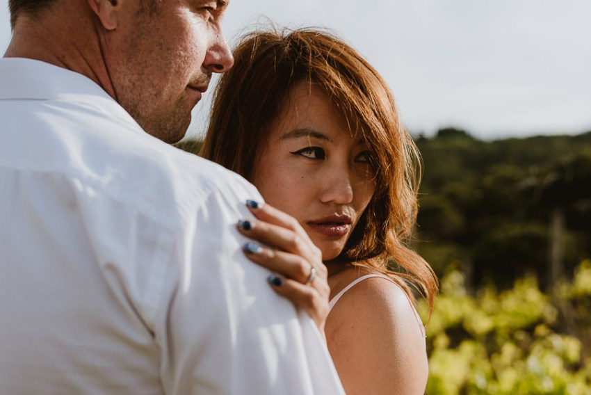 Couple romantic portrait photography florence tuscan vineyard