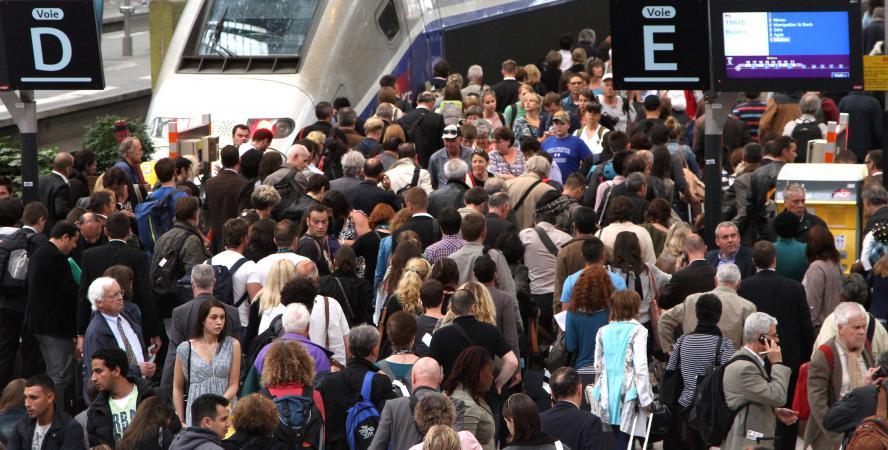 Une grève des cheminots et des perturbations sur le réseau SNCF sont à prévoir, du mardi 8 octobre 2013 à 19 heures au jeudi 10 octobre à 8 heures.