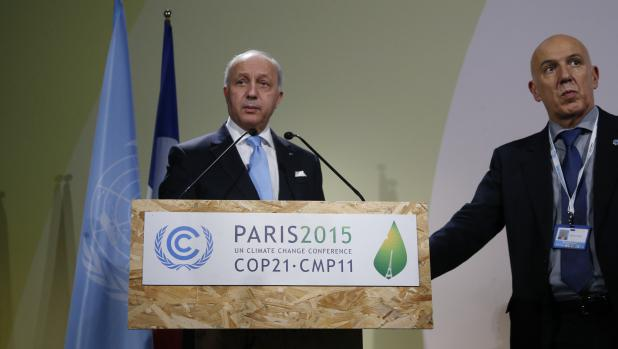 Le ministre français des Affaires étrangères, Laurent Fabius, le 29 novembre 2015 au Bourget (Seine-Saint-Denis), où ont lieu les négociations de la COP21.