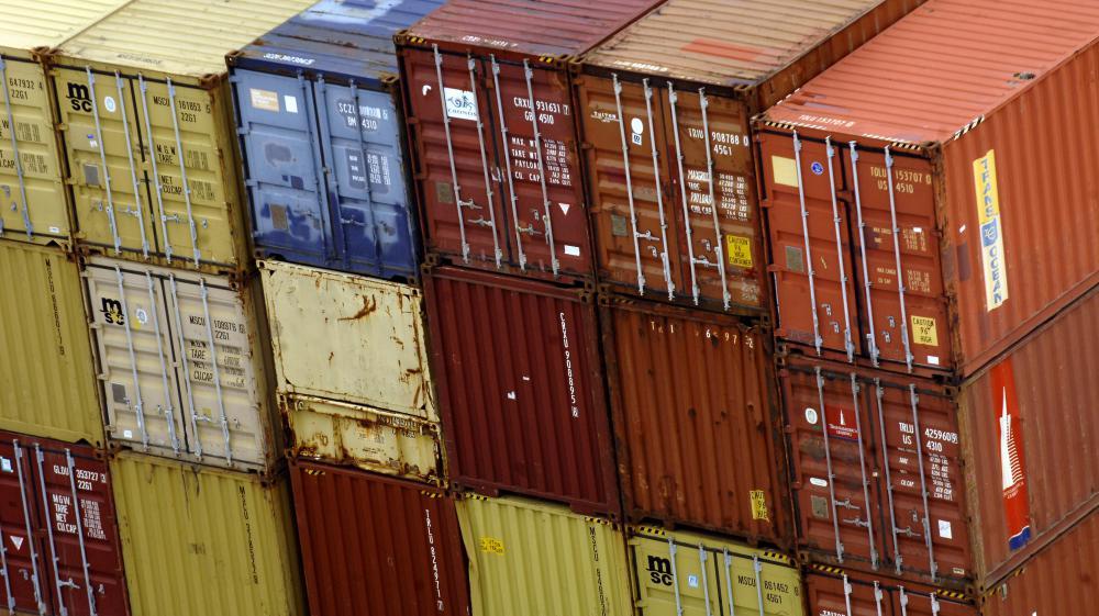 Des conteneurs sur le port de Nantes/Saint-Nazaire (Loire-Atlantique), le 23 avril 2008.