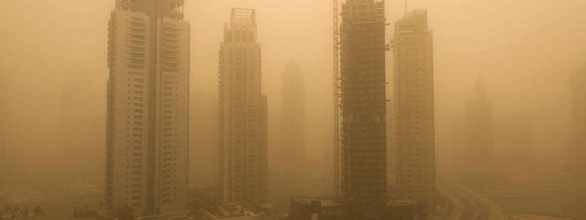 Une tempête de sable à Dubaï (Emirats arabes unis), le 2 avril 2015.