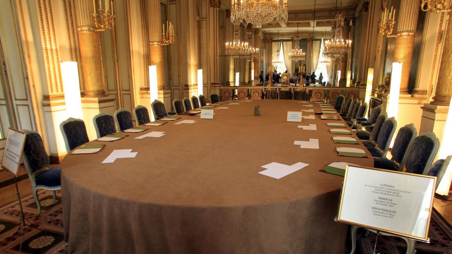 Table De Salon De Jardin Grand Soleil - Décoration de maison idées ...