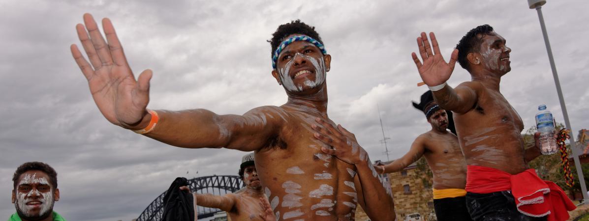 Des danseurs se produisent à l'occasion d'un festival célébrant l'histoire du peuple aborigène, à Sidney, le 6 septembre 2015.