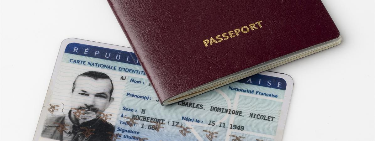 Le gouvernement a mis en place un nouveau fichier réunissant les données personnelles des détenteurs d\'un passeport et d\'une carte d\'identité nationale, dans un décret publié dimanche 30 octobre 2016.