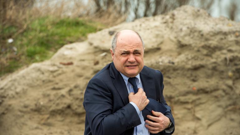 Bruno Le Roux, le 1er mars 2017, à Calais (Pas-de-Calais).