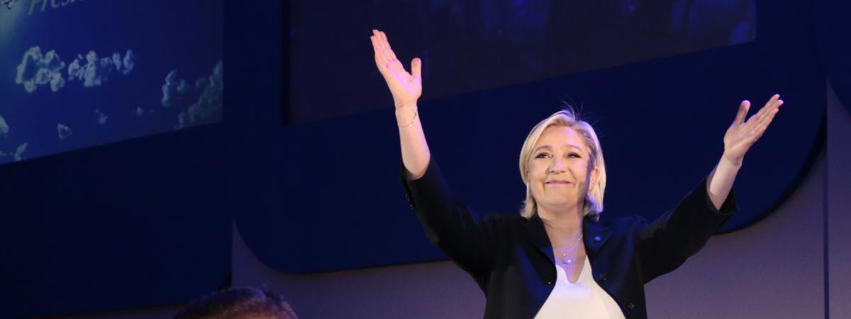 Marine Le Pen après l\'annonce des résultats du premier tour de l\'élection présidentielle, à Hénin-Beaumont (Pas-de-Calais), le 23 avril 2017.