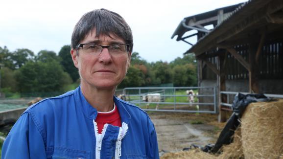 Jacqueline, productrice de lait et cultivatrice à Bellou-en-Houlme (Orne), le 27 septembre 2017.
