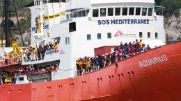 Migrants : l'Italie viole-t-elle le droit international ?