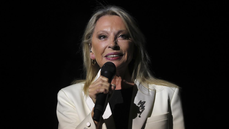 Atteinte dune tumeur Vronique Sanson annule ses prochains concerts