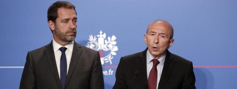 Le ministre de l\'Intérieur, Gérard Collomb, et le porte-parole du gouvernement, Christophe Castaner, lors d\'un point presse à l\'Elysée, le 30 octobre 2017.