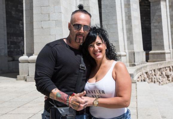 "Antonio et Isabel, sur l\'esplanade du \""Valle de los Caídos\"", mercredi 5 juin 2019."