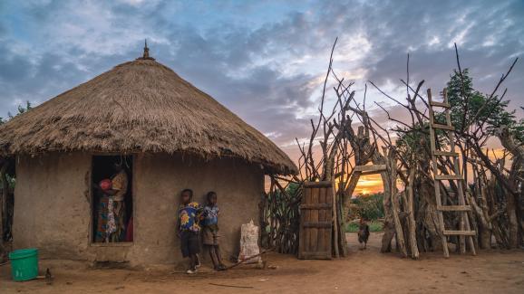 El pueblo de Nyamburi en Tanzania. La inmersión puede durar varios días con pasar la noche con los lugareños. El proyecto proporciona trabajo e ingresos para los locales.