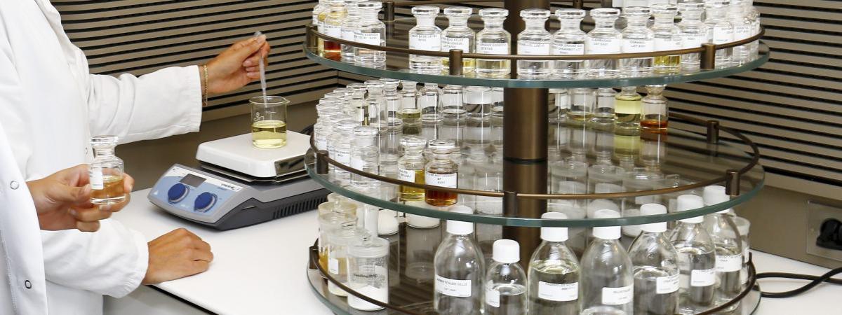 Laboratoire de parfunm LVMH à Grasse (novembre 2018)