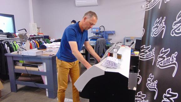 Jean-François Blanchard in his textile flocking business, July 2, 2020, in Reims (Marne).