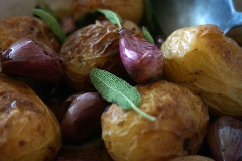 batata-assada-salvia-alho-3