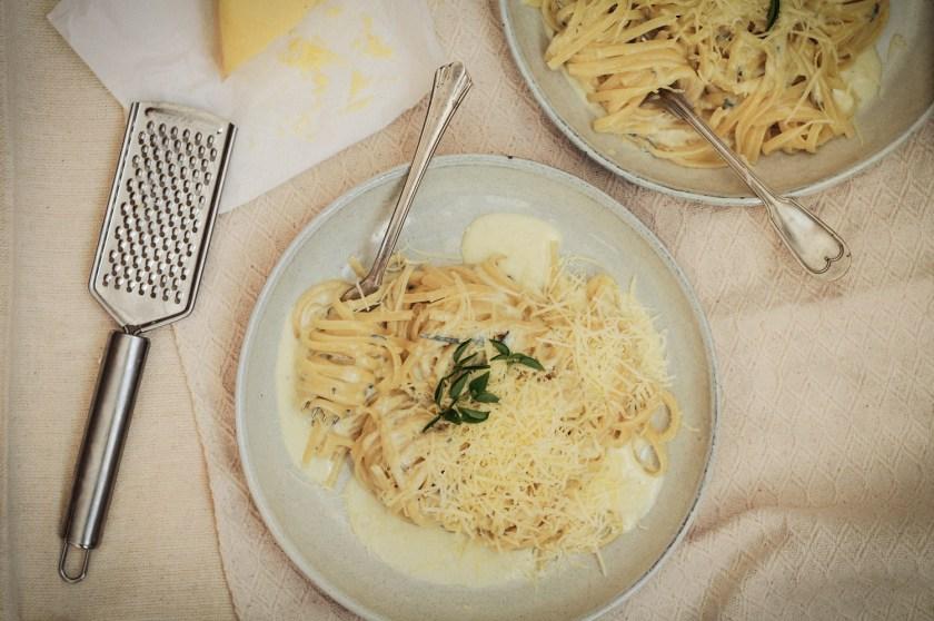 massa ao molho 4 queijos