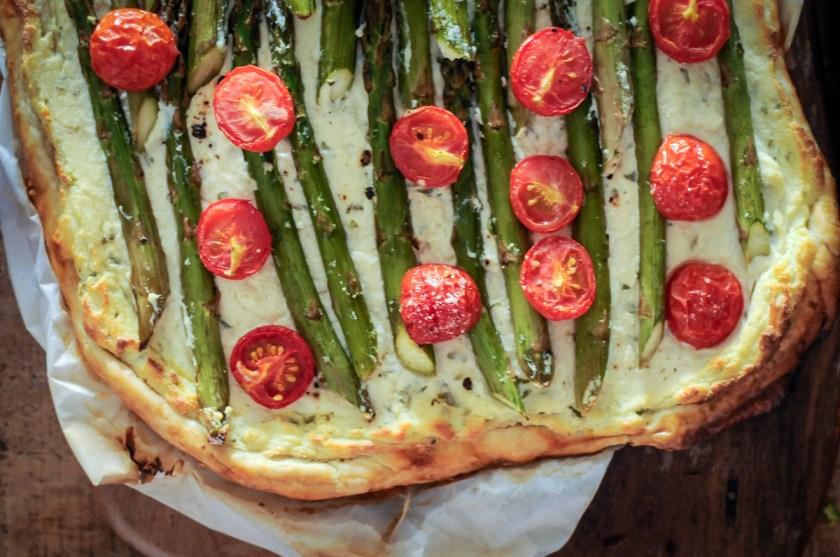 torta de tomate e aspargos