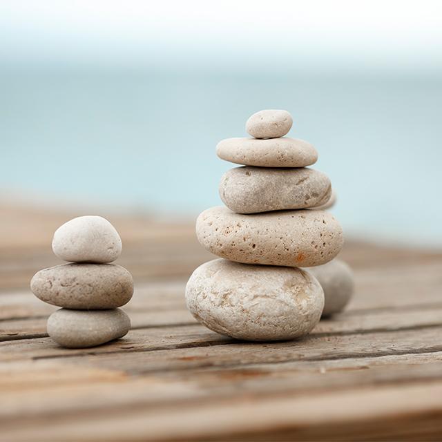 Práctica de mindfulness, sensación, emoción, pensamiento, sonido