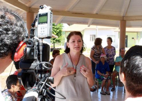 A secretária de Assistência Social, Ana Lucia Manfrói, durante as gravações do audiovisual Fotos: Leandro Czerniaski/Imprensa Prefeitura