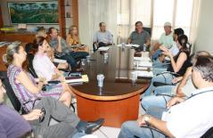 O prefeito em exercício, Eduardo Scirea, se reuniu com secretários e diretores de departamentos envolvidos na preparação do parque