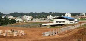 O novo recinto de leilões está praticamente pronto, cinco anos após seu início