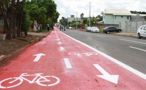 Ciclofaixa da rua Curitiba está praticamente pronta e sinalizada, faltando apenas alguns acabamentos