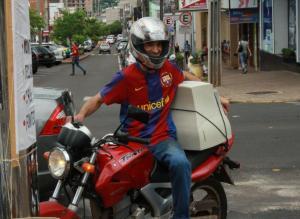 Volmir Vetorello levou um monitor sem utilidade na garupa da moto para ser destinado corretamente