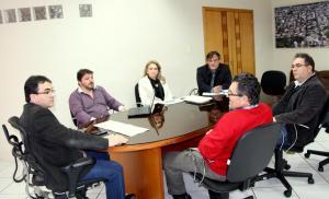 Prefeito Cantelmo Neto, o vice Eduardo Scirea e a secretária de Desenvolvimento, Jovelina Chaves, receberam representantes do setor nesta semana