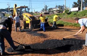 Equipe está percorrendo bairros e pontos isolados em que existem buracos