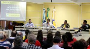 Na Câmara, prefeito Cantelmo Neto apresenta a proposta orçamentária de 2015, que prevê um orçamento de R$ 202 milhões para o Município no ano que vem