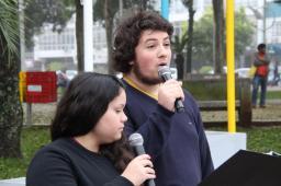 Alunos do Mário de Andrade declamaram poesia do patrono do colégio