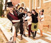 A banda de folk rock Terra Celta se apresenta no domingo, às 19h30