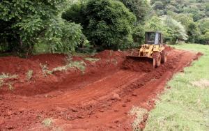 Depósitos de silagem estão sendo feitos em todo o interior do município com orientação técnica