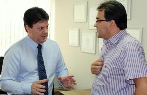 Prefeito Cantelmo Neto visitou o deputado estadual Nelson Luersen, que subscreve o projeto, para conhecer a proposta que transforma a microrregião em região metropolitana