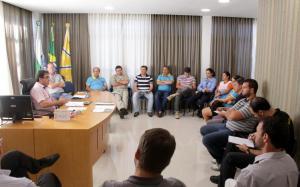 Prefeito Cantelmo Neto recebeu direção do Sindisem nesta segunda-feira e manteve reajuste salarial de 6,5%, mas a categoria reivindica aumento de 13%