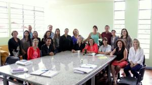 Parte dos profissionais que participou do encontro, em Jacutinga