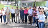 Secretária Jovelina Chaves e lideranças durante a abertura do evento, na tarde desta sexta-feira