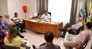 Prefeito Cantelmo Neto e a secretária de Meio Ambiente, Joice Bariviera, receberam os diretores e membros do conselho comunitário da Ascapabel