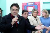 Vinte e sete famílias de um antigo loteamento social na Cidade Norte receberam, após quase 20 anos, a documentação dos imóveis pela Prefeitura