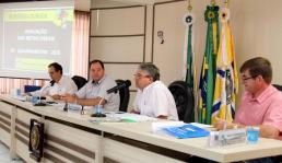 Secretário de Finanças, Luiz Geremia, apresentou as metas fiscais do ano em audiência pública na Câmara de Vereadores