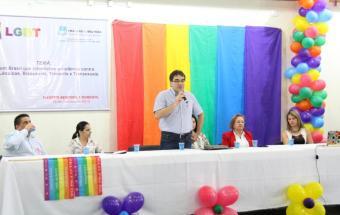 Prefeito Cantelmo Neto abriu o evento e defendeu criminalização da intolerância à comunidade LGBT
