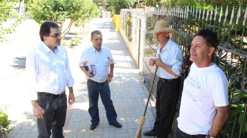 Prefeito neto vistoriou serviços e conversou com moradores