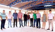 Lideranças do bairro Industrial acompanharam a visita a escola São Cristóvão, que deve ser entregue em junho e está recebendo R$ 3,5 milhões em investimento