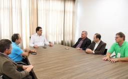 O prefeito Cantelmo Neto recebeu o reitor da UTFPR, Carlos Eduardo Cantarelli, para tratar da ampliação da universidade em Beltrão