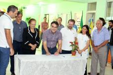 Prefeito Cantelmo Neto assinou autorização das obras com investimento de quase R$ 200 mil