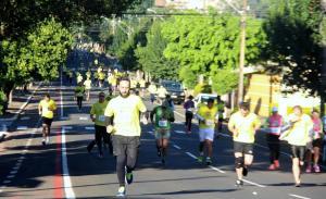 Prova de 6 km percorreu as ruas do binário da Curitiba e Tenente Camargo, domingo de manhã