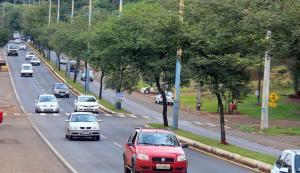 Cerca de 450 mil carros passam pela avenida Silvio Barbieri por mês